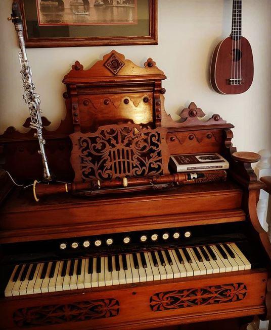 HarmoniumBoxwoodClarinet.JPG